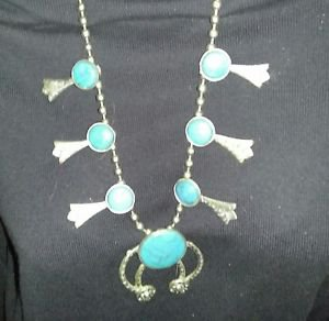 NECKLACE SILVER TONE FAUX TURQUOISE VERY VINTAGE TRIBAL STYLE NECK WEAR