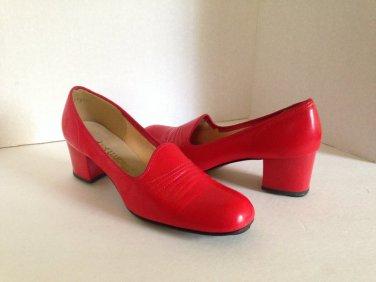 vtg 60s Candy Apple Red Tap Shoes Heels Pumps Vegan 7M Mod Classic Dance