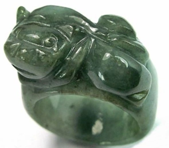 Mens Chinese Feng Shui Pixiu Dark Green Jade Ring     U.5 ~ 10.5