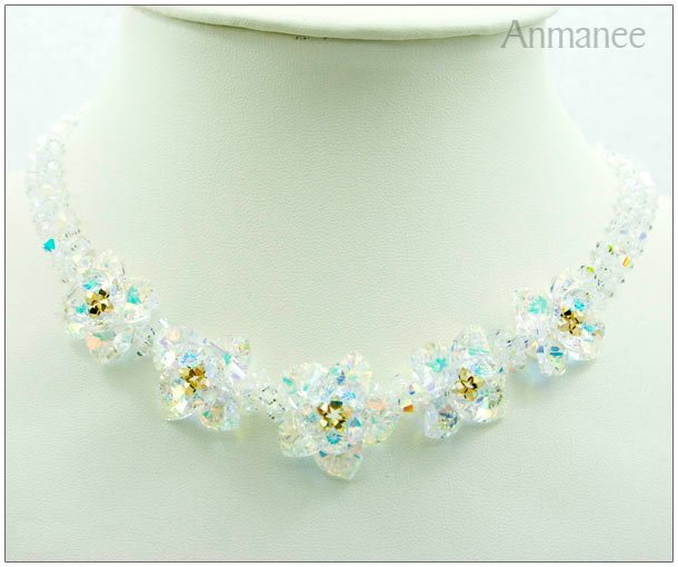 Handcrafted Swarovski Crystal Necklace - Pikul 010111