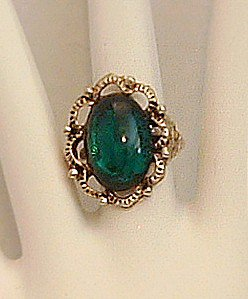 Ring Women's Victorian Look Green Acrylic Stone Adjustable