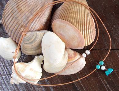Turquoise Large Hole Pearls and Leather Necklace Boho Chic N142 Gilligan's ~~~~