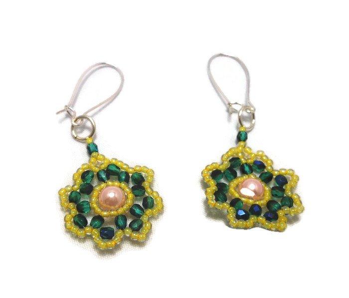 """Hand Made Green Beaded """"Flower"""" Earrings (E05825)"""