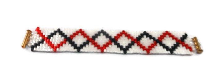 Hand Made White, Red And Black Women's Beaded Bracelet (B02145)