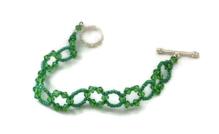 Hand Made Green Crystal Women's Bracelet (B01039)
