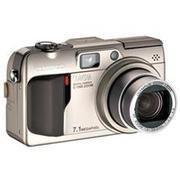 Olympus C-7000 Zoom Digital Camera