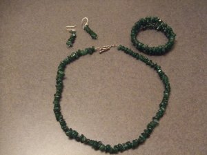 seaweed green coarl necklace and earrings