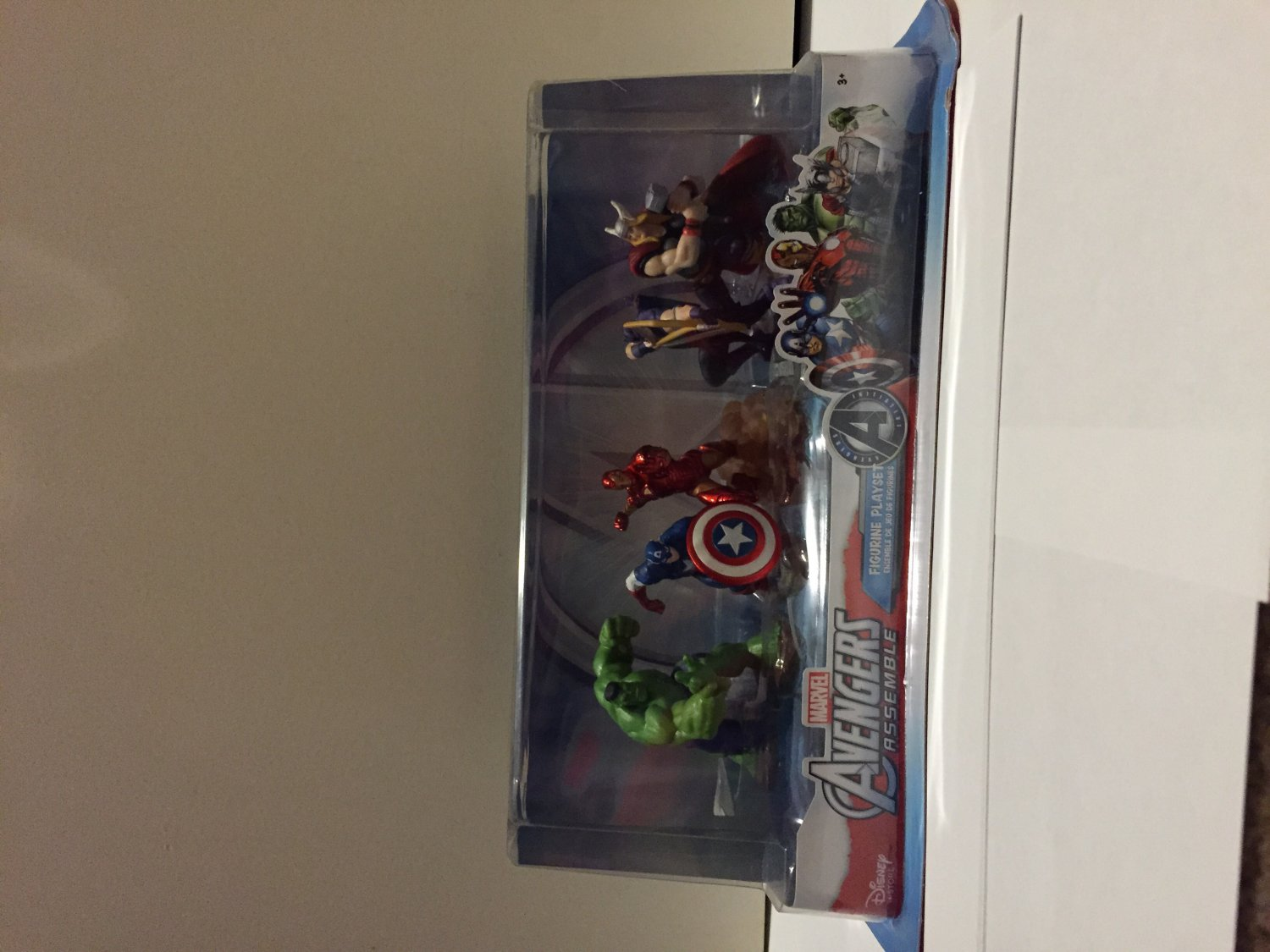 Disney Marvel Avengers Assemble Exclusive 5-piece Figurine Playset New in Box