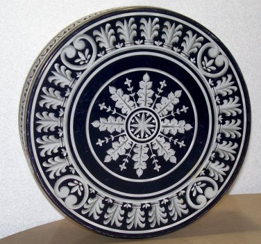 Vintage Case Snowflake type of design round tin empty and with a lid