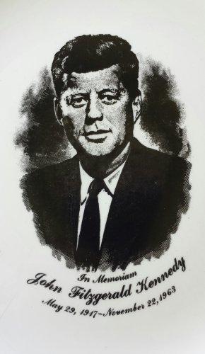 "Vintage 1960s JOHN F KENNEDY JFK Memorial Commemorative Collectible Plate 9"""
