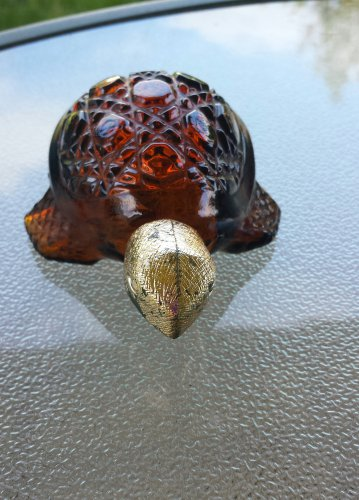 Vintage 70s AVON Treasure Turtle Charisma Cologne Amber Glass Decanter Collectible