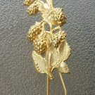 Vintage Gold Tone Grape Vine Eyeglass Sunglass Holder Pin Brooch