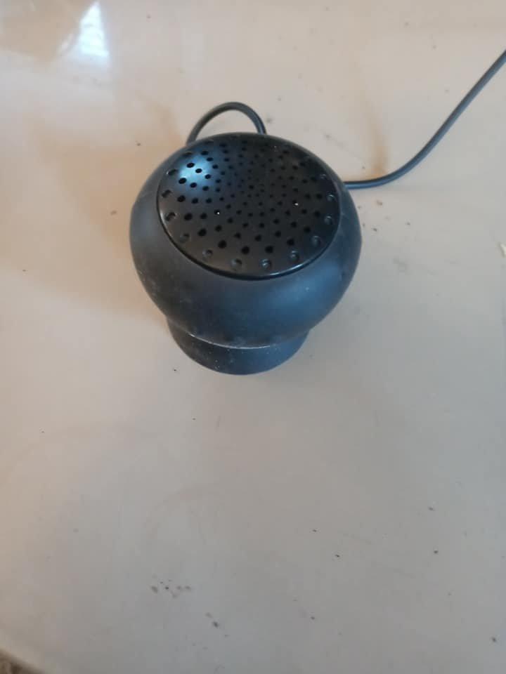 Black Mini Portable Wireless Bluetooth Speaker Suction Cup - Very Good