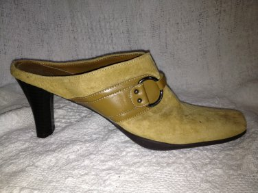 Aerosoles Suede Heels Mules Women Size 9 Beige Leather Shoes Snapezoid