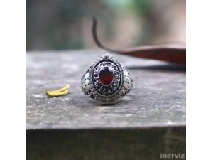 925 Sterling Silver Ring w Red Garnet Stone Inlay Size 8 Bali handmade RS54