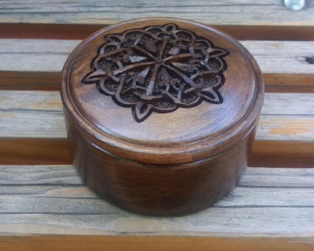 Handmade Armenian Round wooden box with Endless Knot