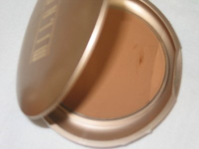 MILANI Smooth Finish Pressed Powder Compact  #01 RICH BEIGE Face Finish Powder MATTE