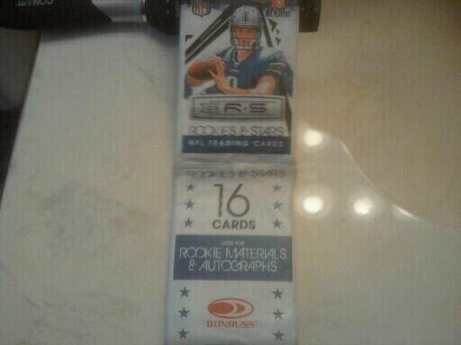 2009 DONRUSS ROOKIES +STARS FOOTBALL CARDS 12 JUMBO PACKS-POS,-AUTOS AND INSERTS