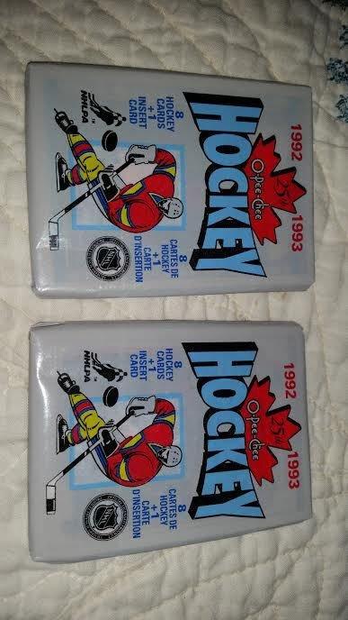 1992-93 O-PEE-CHEE HOCKEY PACKS QTY.2+1979-80 WAYNE GRETZKY REPRINT ROOKIE CARD