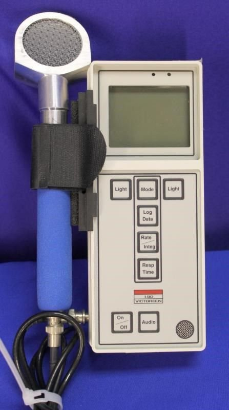 FLUKE VICTOREEN MODEL 190 Survey Meter and probe Geiger R