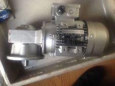 Drehstrom-Asynchron TFC 71B-4 + Knodler Gearbox S40.037.4.030