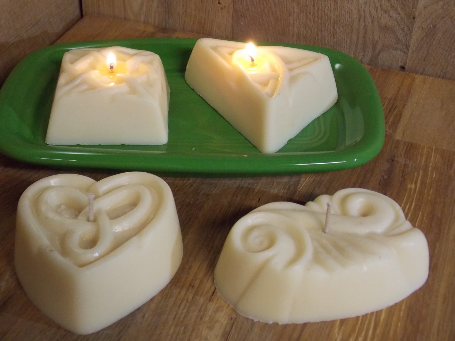 4 - Soy/paraffin Candle, Pick your sent, love spell, fire side