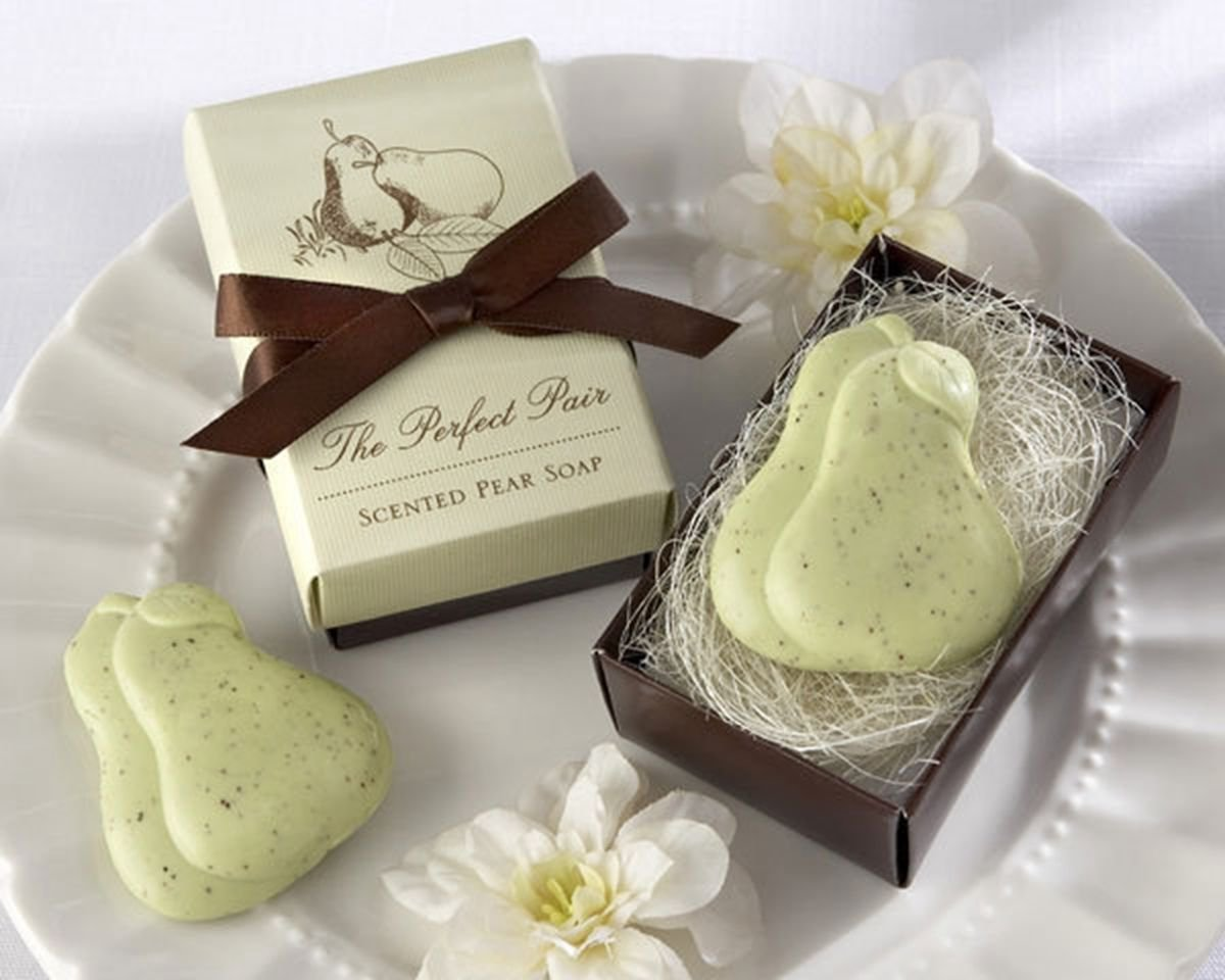 Creative Wedding Favors Bridal Party Gift Mini Scented Shower Bath PEAR Soap Handmade DB