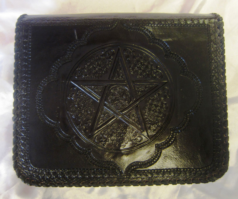 Handmade Leather Satchel/Messenger/Cross body Unisex Bag with Celtic design.