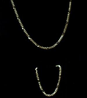14 kt Gold Figaro 2 piece ( Necklace & Bracelet)