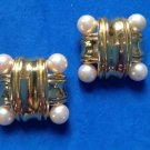 """1 1/4"""" SQUARE LARGE GOLD TONE & COSTUME PEARL CLIP ON EARRINGS. CLASSIC !!"""