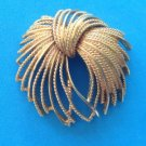 "VINTAGE ""MONET"" LARGE GOLD TONE PIN 2 1/4"" X 2 1/8"". LOVELY DESIGN"