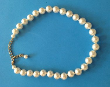 "1/2"" DIAMETER KNOTTED LIGHTWEIGHT WHITE PEARL NECKLACE UP TO 18"" LONG"
