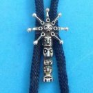 VINTAGE TOTEM POLE IN SILVER TONE BOLO TIE - GREAT CONDITION
