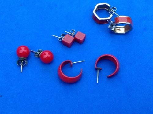 NICE LOT OF 5 PAIRS OF SMALL RED PIERCED EARRINGS FOR DELICATE LADY OR GIRL.