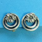 VINTAGE PRETTY SILVER DOUBLE CIRCLE WITH FLOWER CLIP ON EARRINGS DIME SIZED
