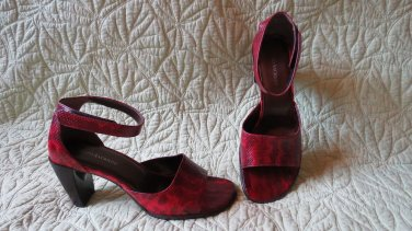 Gorgeous Red and Black Snake Print Leather Enzo Angiolini Shoes Size 9