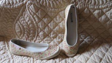 Super Cute American Eagle Ballet Flats Floral Waterproof Shoes Size 10