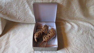 "Spectacular NEW Marc Fisher 5"" Heel High Heel Sandal Platforms Size 10"