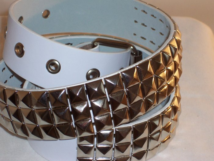 3 ROW SILVER PYRAMID STUDED LEATHER BELT WHITE SZ M 36