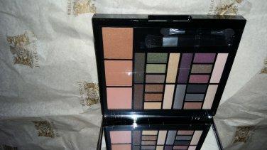 Macys Impulse Color Eye Shadow & Blush Palette