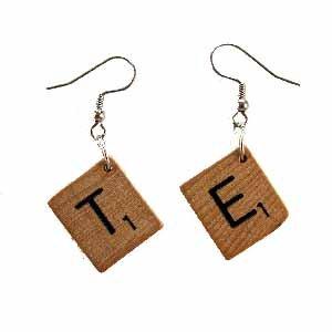 Scrabble Tile Earrings Letter T and E Handmade (JE322TE)