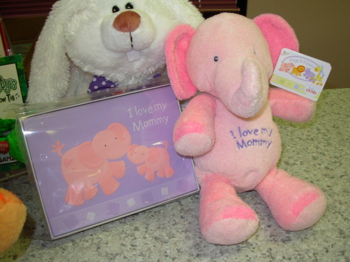 GUND HUGS AND KISSES I LOVE MY MOMMY PLUSH STUFFED ANIMAL PINK ELEPHANT GUND NEW BABY