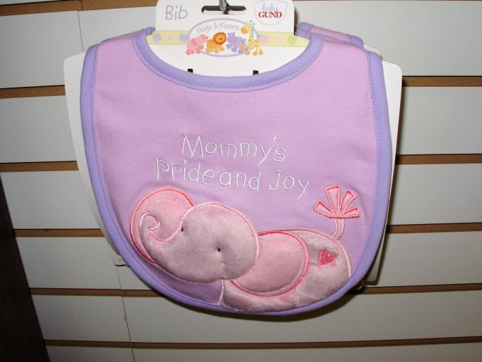 BABY BIB BURPCLOTH HUGS AND KISSES GUND NEW WITH TAGS SAYS MOMMYS  PRIDE AND JOY
