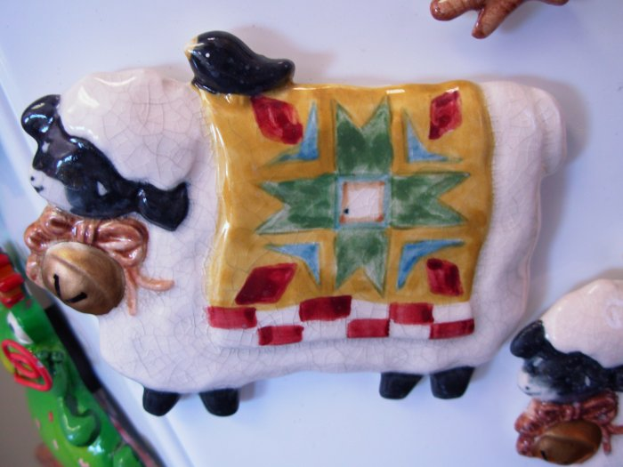 REFRIGERATOR MAGNET COUNTRY KITCHEN SHEEP CERAMIC NEW GANZ
