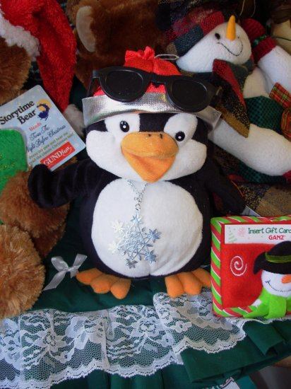RAPPIN PENQUIN SINGS AND DANCES PLUSH STUFFED ANIMAL TOY NEW WITH TAGS GANZ CHRISTMAS HOLIDAY TOY