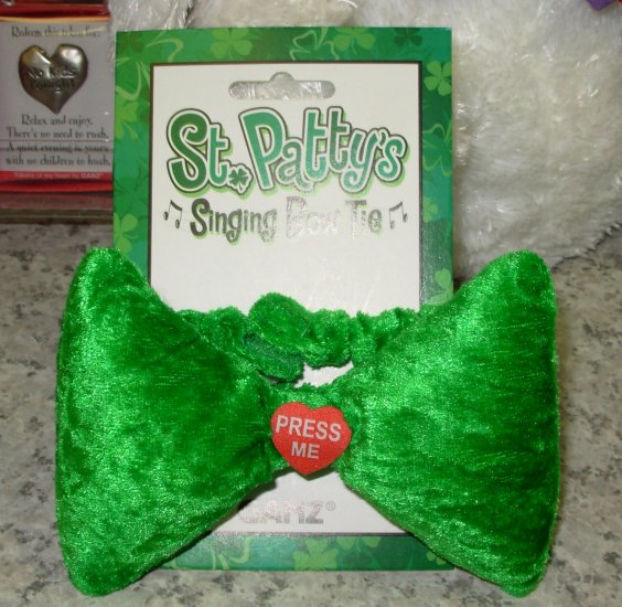 IRISH BOWTIE PLAYS WHEN IRISH EYES ARE SMILING NEW WITH TAGS GANZ ST. PATRICK'S DAY