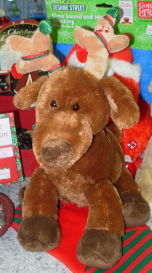 RIDLAY REINDEER PLAYS JINGLE BELLS & ORNAMENTS IN ANTLERS LIGHT UP NEW GUND PLUSH STUFFED ANIMAL