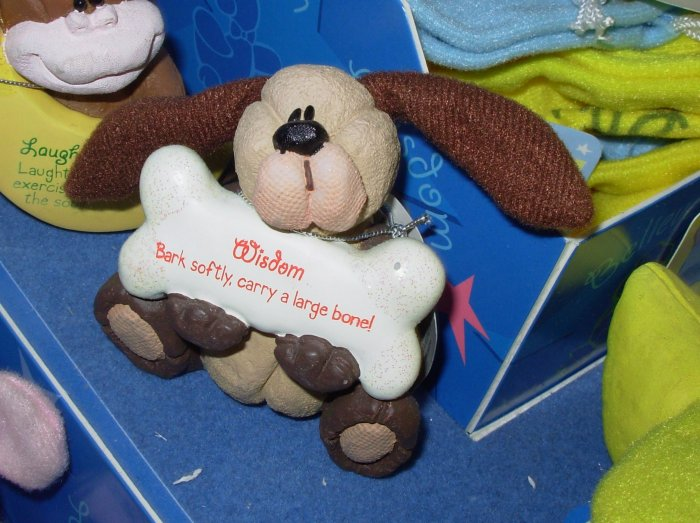 GUND DOG FIGURINE COMFY CRITTERS RETIRED SAYS WISDOM BARK SOFTLY CARRY A LARGE BONE NEW WITH TAGS