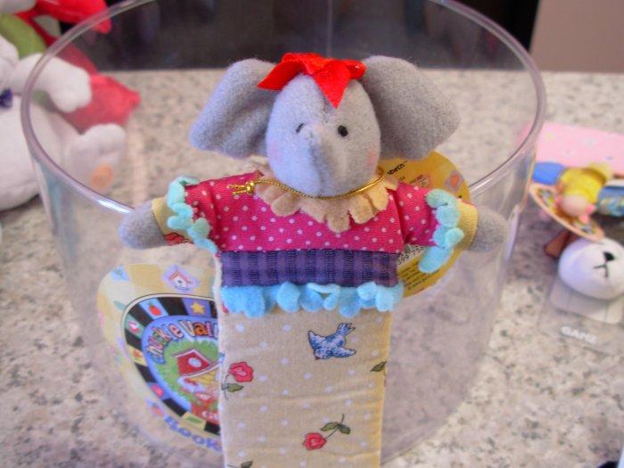 BOOKMARKS CHUCKLE VALLEY FRIENDS LITTLE ELEPHANT NEW GUND RETIRED