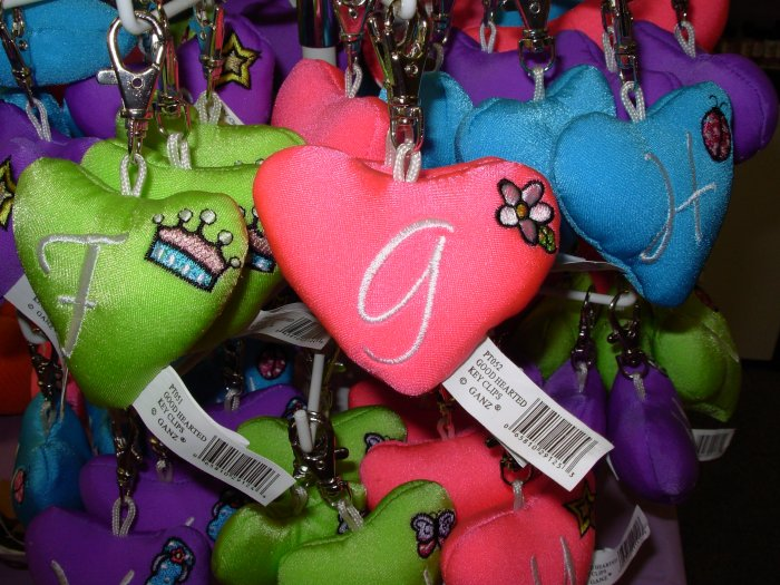 PUFFY HEART ZIP CLIP KEY CLIP WITH THE LETTER G HOT PINK NEW GANZ
